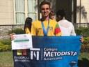 Aluno do 9ºano, campeão de natação, recebe diploma do Governador do RS