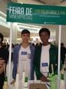 Estudantes participam de feira da Junior Achievement desenvolvendo aromatizador de ambientes