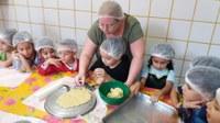 """Familiares e alunos aprendem juntos em mais um """"Família e Escola em Ritmo de Solidariedade"""""""