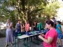 Bazar sustentável promove a reutilização de uniformes usados