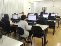 Estudantes realizam avaliações na plataforma MindZup