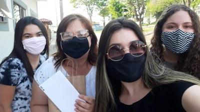 Alunos do Ensino Médio fazem surpresa aos professores; confira as fotos