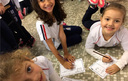 Alunos do infantil participam da atividade A Visit to a Museum
