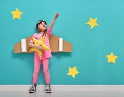 Com aulas de teatro, alunos desenvolvem habilidades de comunicação e expressão