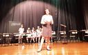 Aulas de teatro incentivam e auxiliam o desenvolvimento escolar