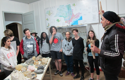Estudantes do ensino médio contam experiências de viagem educativa ao Petar