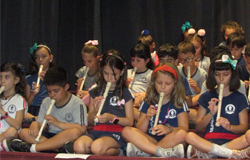 Música marca evento de encerramento letivo dos alunos do ensino fundamental 1