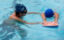 Oficinas extracurriculares, que incluem aulas de natação, estão com inscrições abertas