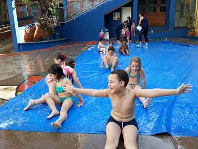 Dia festivo e de recreação marca o mês da criança no Colégio