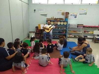 Atividades práticas e lúdicas marcam semana da Educação Infantil e 1º ano