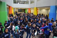 """Aulas do segundo semestre têm início e alunos fazem """"aquecimento"""" em momento de acolhida"""