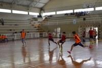 Ensino Fundamental II tem aula prática sobre integração por meio do esporte