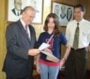 Professoras e aluna do União entregam Carta de Responsabilidades Ambientais à prefeitura de Uruguaiana